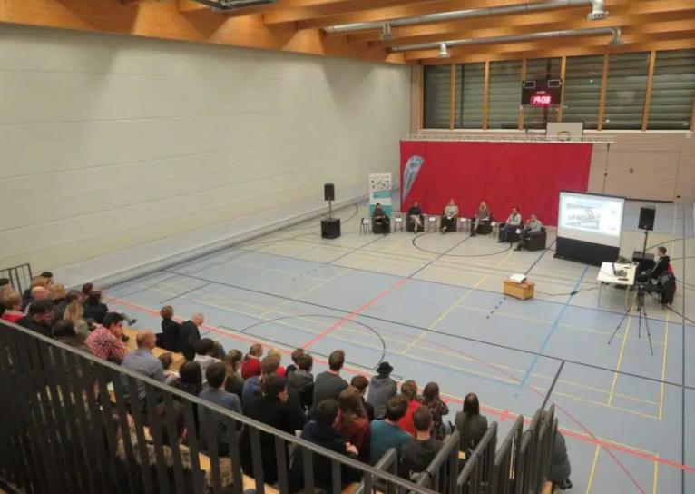 Jugenddebatte beim Jugendforum in Deggendorf mit Matthias Schwinger